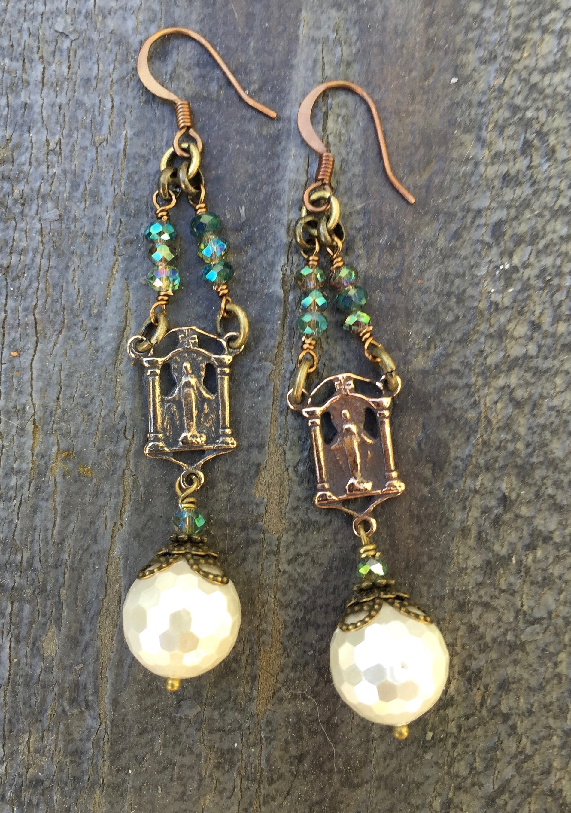 Faceted Shell Pearl Earrings