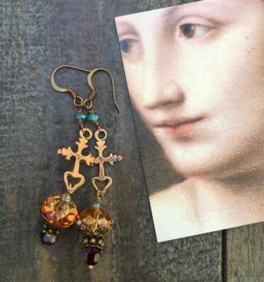 EARRINGS OF THE HOLY CROSS