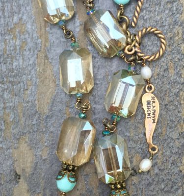Champagne and Aqua Crystal Necklace with Cream Pearls – 14x18mm